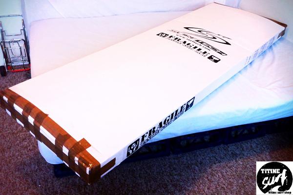 เทคนิคง่ายๆ สำหรับการแพค Surfboard ขึ้นเครื่องบินtitine-surf-shopเทคนิค