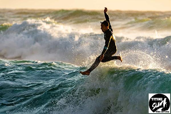 บทความแนะนำ การเล่นเซิร์ฟบอร์ด Surf ยังไงให้ปลอดภัย titine-surf-shop.comบทความ