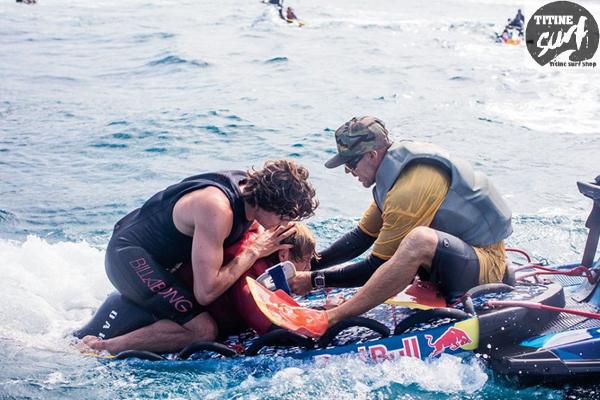 สิ่งอันตรายที่นัก Surf ควรระวังอาจเกิดอันตรายได้ทุกเมื่อ